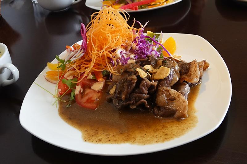 エゾ鹿もも肉のソテー